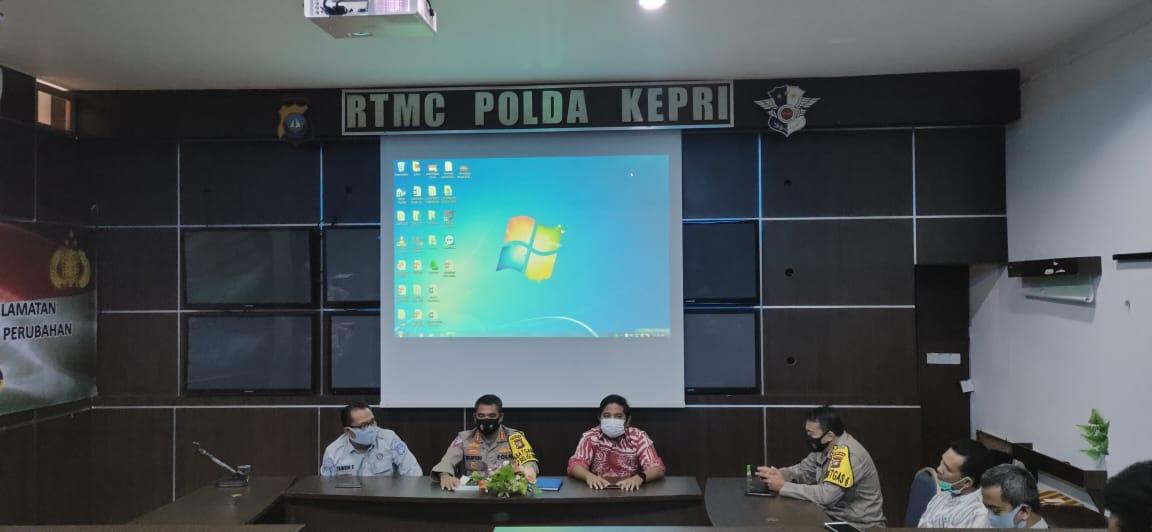 Pemaparan hasil survey terhadap pelayanan publik