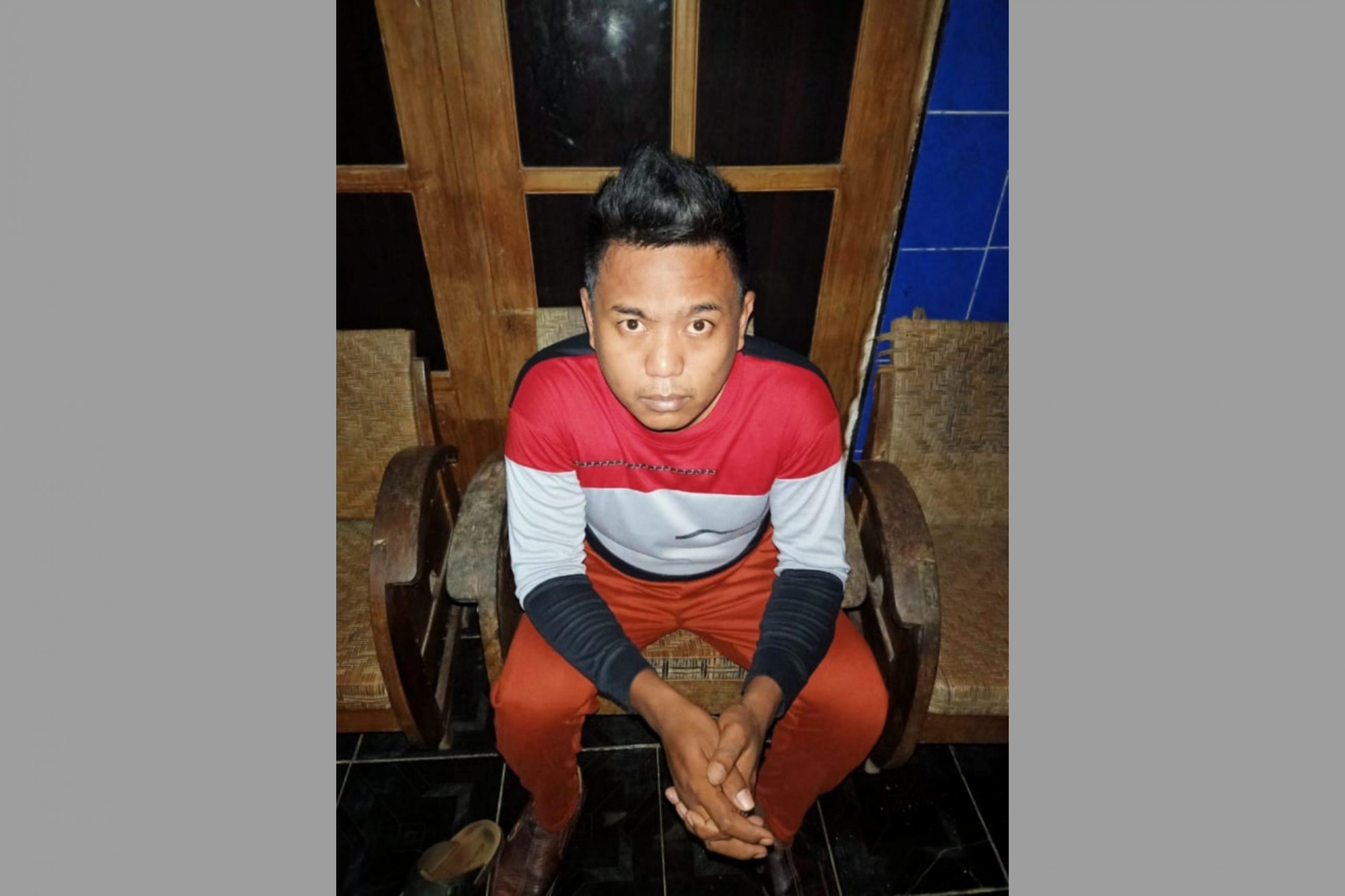 Tampang pembunuh dan pembakar wanita kerabat jauh Jokowi. (Ist)