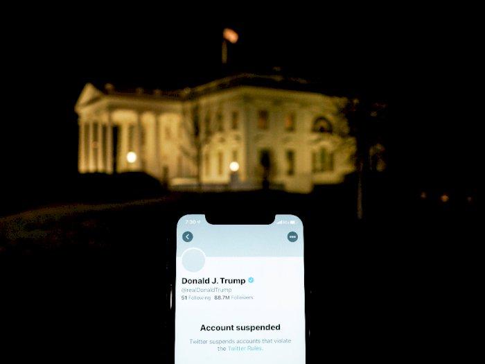Twitter Donald Trump (REUTERS/JOSHUA ROBERTS)